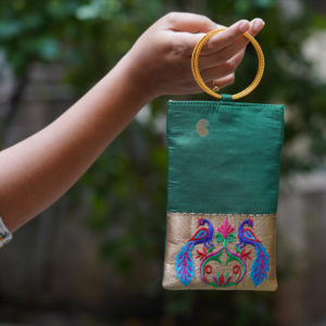 Peacock-green-colour-paithani-mobile-pouch
