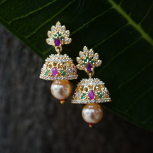 gold-plated-jhumka-with-small-diamond