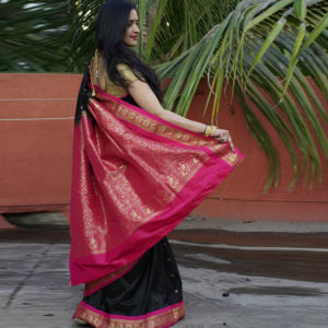 Black Colour & Pink Border Semi Gadhwal Paithani(Padar view)