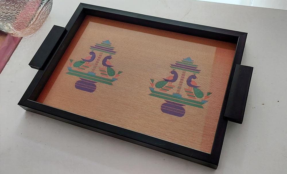 Paithani-Tray-and-Coaster-set-by-swapnagandha